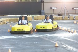 Jimmy Fallon and Jay Leno go-karting