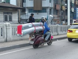 Bangkok: Vespa in transport business